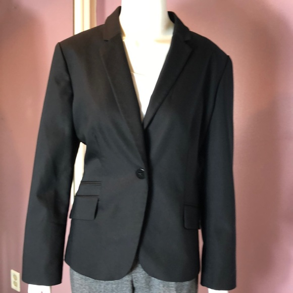Chico's Jackets & Blazers - Chico's Single Notch Collar, Single Button Blazer